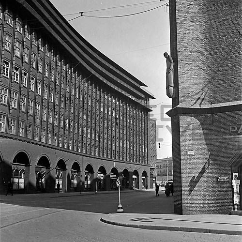 Hamburg (UNA_01719594.highres)