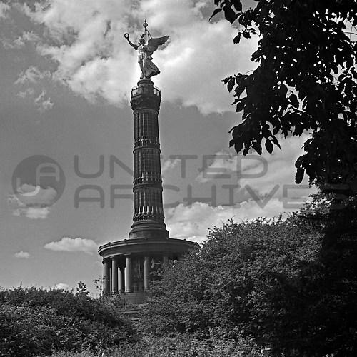 Reichshauptstadt Berlin (UNA_01667038.highres)