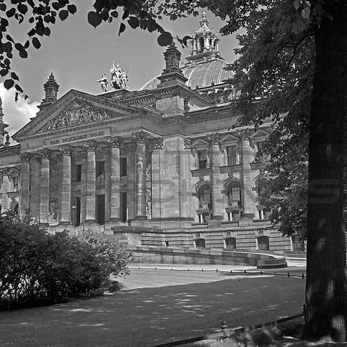 Reichshauptstadt Berlin (UNA_01668541.highres)
