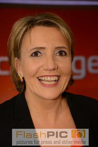 Simone Peter die Bundesvorsitzende von B«90 Gruene lacht als Gas (DSC_0867)