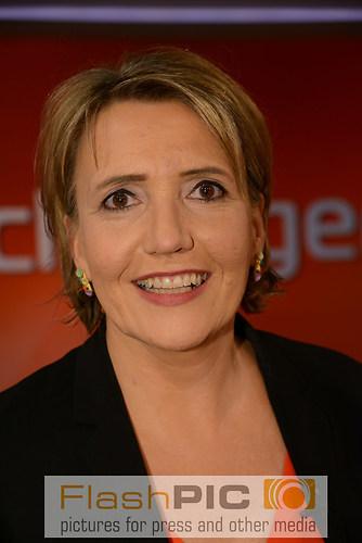 Simone Peter die Bundesvorsitzende von B«90 Gruene lacht als Gas (DSC_0870)