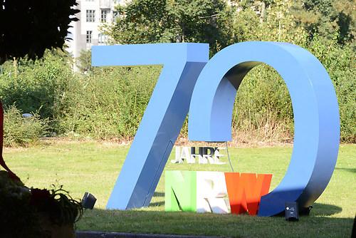70 Jahre Nordrhein-Westfalen - NRW an der Tonhalle in Duesseldor (DSC_4214)