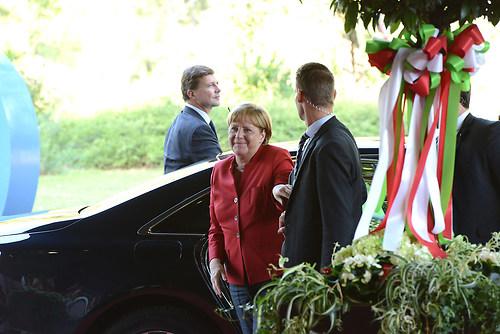 Ankunft der deutschen Bundeskanzlerin Dr. Angela Merkel beim Fes (DSC_4298)
