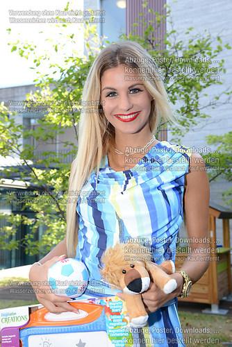 Stefanie Schanzleh die Saengerin der Musikgruppe Hot Banditoz im (DSC_5136)