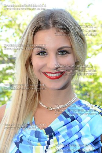 Stefanie Schanzleh die Saengerin der Musikgruppe Hot Banditoz im (DSC_5139)