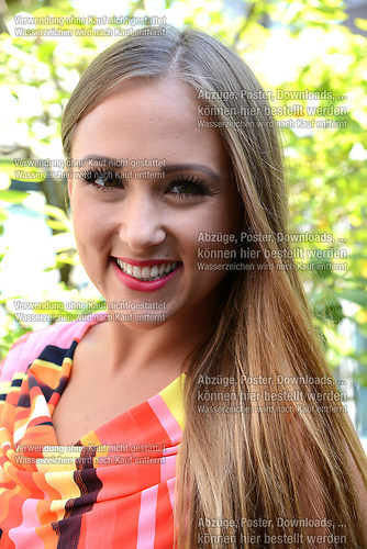 Danika Wist die Saengerin der Musikgruppe Hot Banditoz im Portra (DSC_5206)