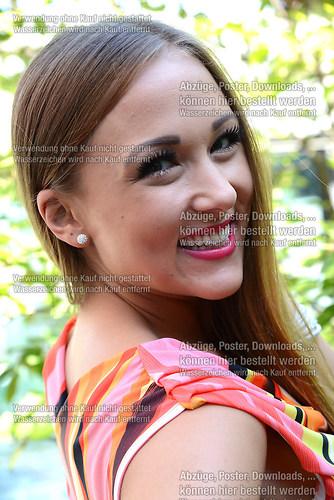 Danika Wist die Saengerin der Musikgruppe Hot Banditoz im Portra (DSC_5209)