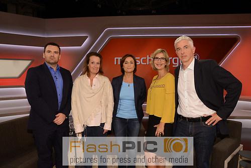 Gruppenbild aller Gaeste und Teilnehmer bei der ARD Fernseh Tal (DSC_6030)