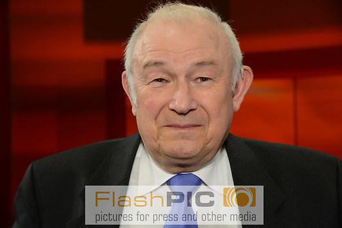 Guenther Beckstein der ehemalige Bayrische Innenminister und Mit (DSC_0402)
