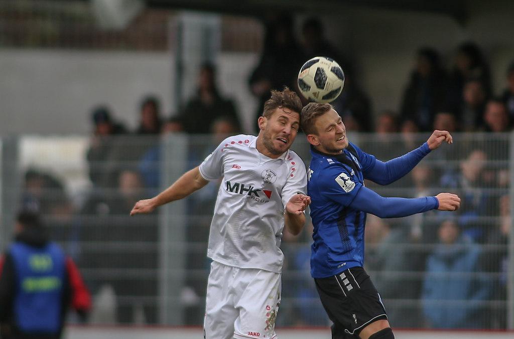 181208DREMAN135   08.12.2018, xxx, Dreieich, Hahnair Sportpark, Fussball, Herren, Regionalliga Suedwest Saison...   Fussball