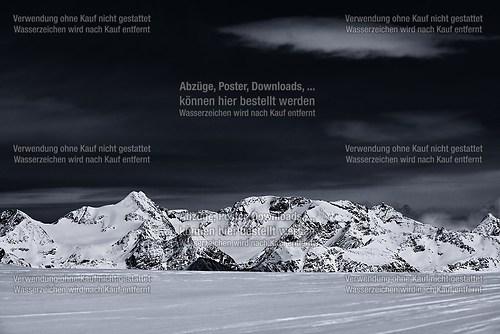Berge bei Nacht