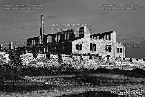 Gleissende Ruine