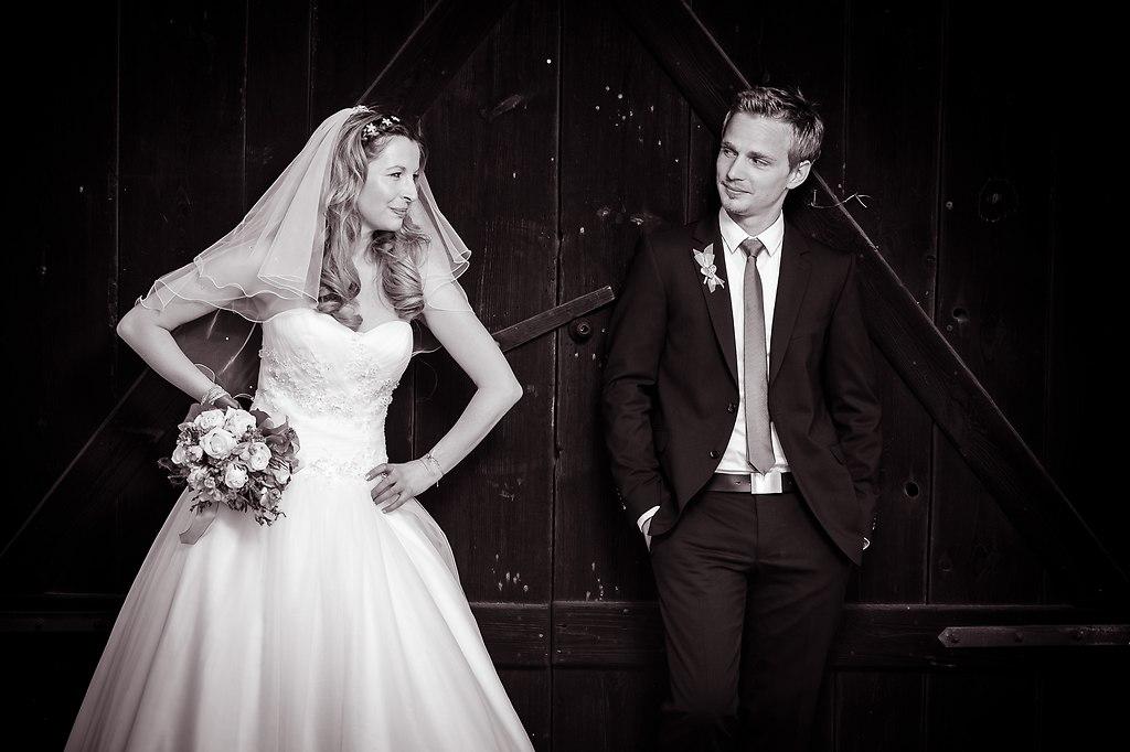 | ... wenn der Bräutigam nicht so tut wie man möchte, genügt ein böser Blick