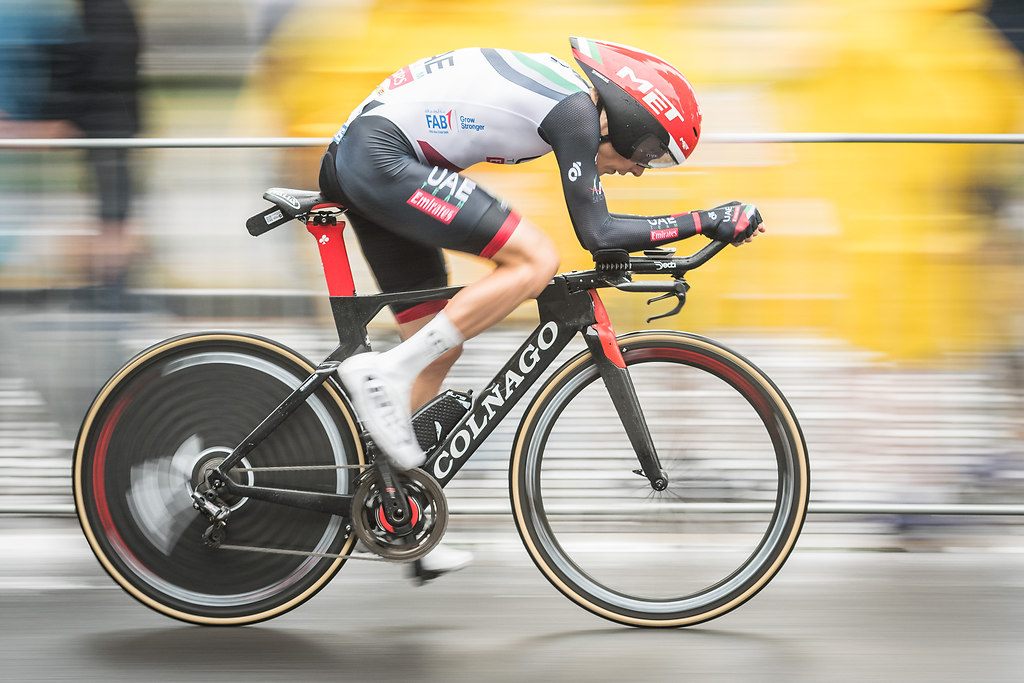 170701MHTDFDO089 | 01.07.2017, xmhx, Radsport, Tour de France, Etappe 1 in Duesseldorf, emspor v.l. Louis Meintjes... | Rad / Radrennen / Radsport / Tour de France / Stadt / Le Tour / Pedale / Radfahrer / Fahrrad / Bike / Race / Bikerace / Etape / Zeitfahren / Time