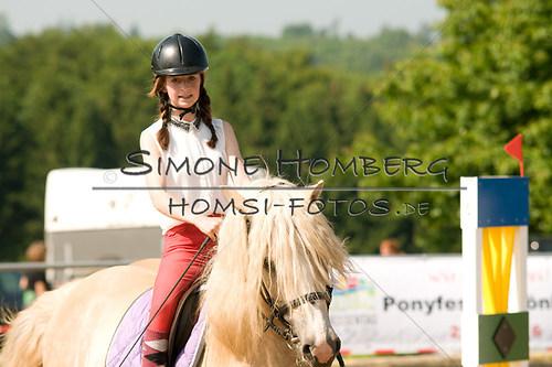 (c)SimoneHomberg_Ponyfest_Sa_20150606_0392
