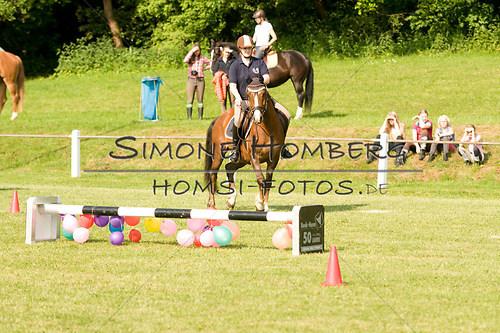 (c)SimoneHomberg_Ponyfest_Sa_20150606_0021