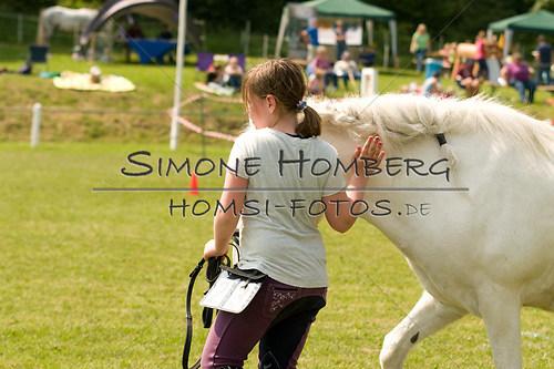 (c)SimoneHomberg_Ponyfest_Sa_20150606_0292