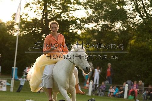 (c)SimoneHomberg_Ponyfest_Schauprogramm_20150606_0499