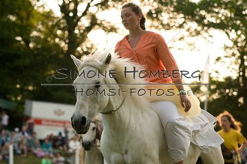 (c)SimoneHomberg_Ponyfest_Schauprogramm_20150606_0500