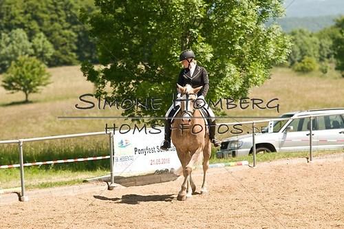 (c)SimoneHomberg_Ponyfest_So_20150607_0003