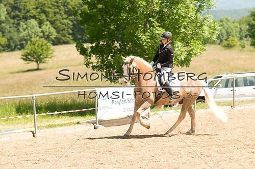 (c)SimoneHomberg_Ponyfest_So_20150607_0008