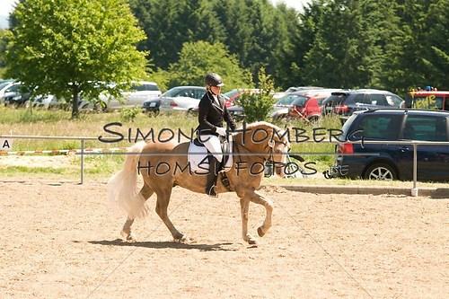 (c)SimoneHomberg_Ponyfest_So_20150607_0009