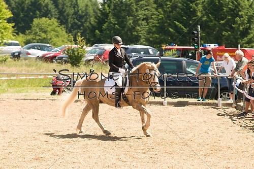 (c)SimoneHomberg_Ponyfest_So_20150607_0010