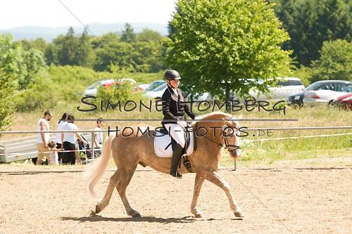 (c)SimoneHomberg_Ponyfest_So_20150607_0012