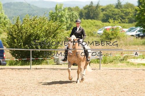 (c)SimoneHomberg_Ponyfest_So_20150607_0016