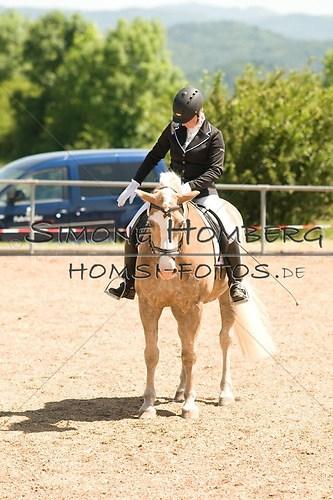 (c)SimoneHomberg_Ponyfest_So_20150607_0017