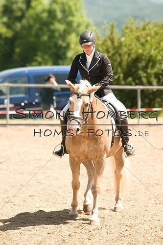 (c)SimoneHomberg_Ponyfest_So_20150607_0018