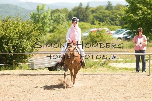 (c)SimoneHomberg_Ponyfest_So_20150607_0021