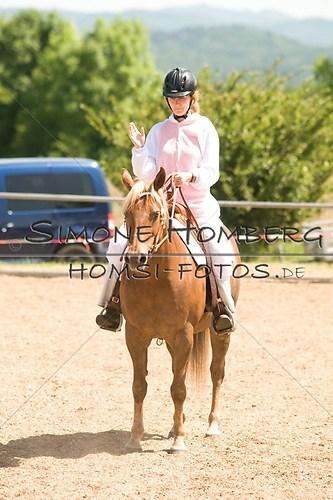 (c)SimoneHomberg_Ponyfest_So_20150607_0022