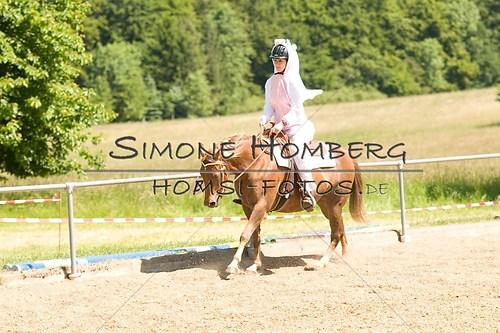 (c)SimoneHomberg_Ponyfest_So_20150607_0028