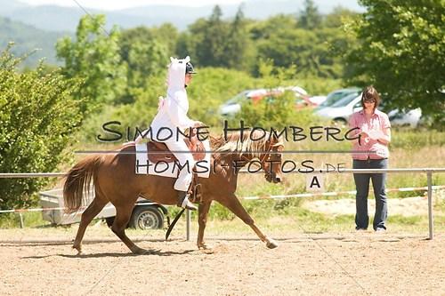 (c)SimoneHomberg_Ponyfest_So_20150607_0030
