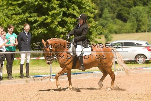 (c)SimoneHomberg_Ponyfest_So_20150607_0185