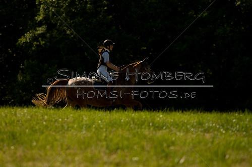 (c)SimoneHomberg_Ponyfest_So_20150607_0527