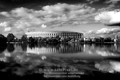Nürnberg - Teich mit Vergangenheit