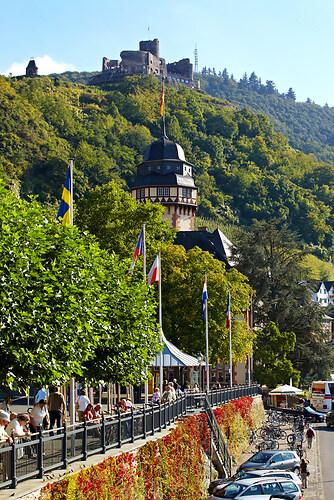 Verbandsgemeinde Verwaltung und Burg Landshut