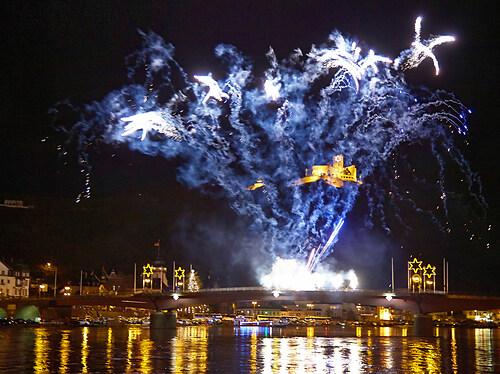 Feuerwerk zum Weihnachtsmarkt