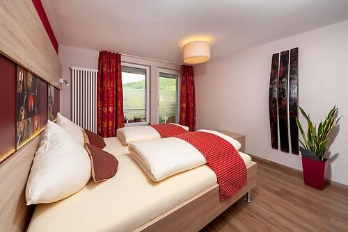 2014-10-02-Scholer-Halfenstube-Zimmer-Dornfelder-3743