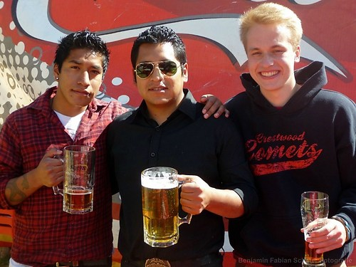Mit meinen Gastbruedern auf dem Oktoberfest von La Paz