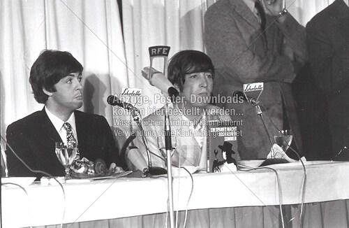 Paul und John PR-Konf 01