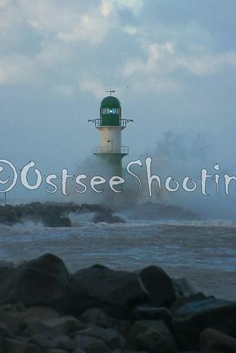 Orkan XAVER - Warnemünde (© OstseeShooting) (1 von 1)