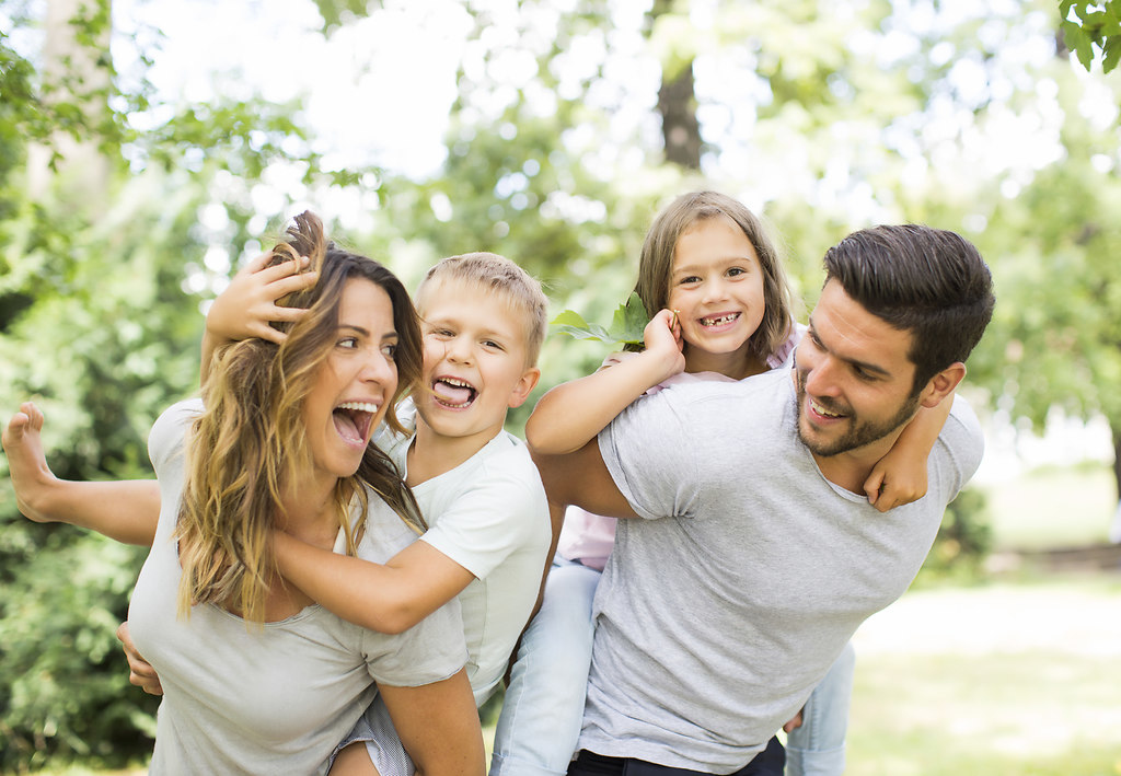 Family Fun (Fotolia_117310875_M)