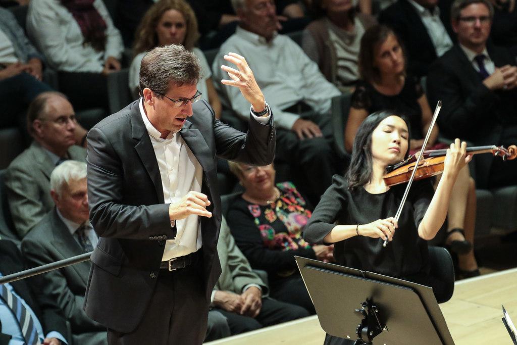 Boléro (fotonick-AN--5078) | Orchestre National des Pays de la LoirePascal Rophé Dirigent-Foto Axel Nickolaus | fotonick Kiel, nick Kiel