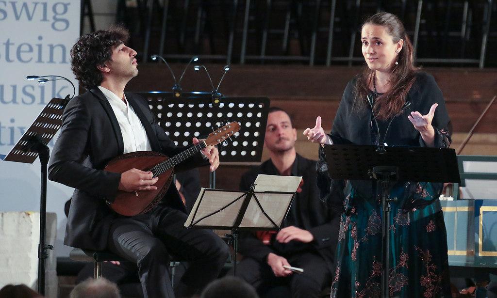 Venezia (fotonick-AN-7057) | Nuria Rial, SopranAvi Avital, MandolineVenice Baroque Orchestra-Foto Axel Nickolaus | fotonick Kiel