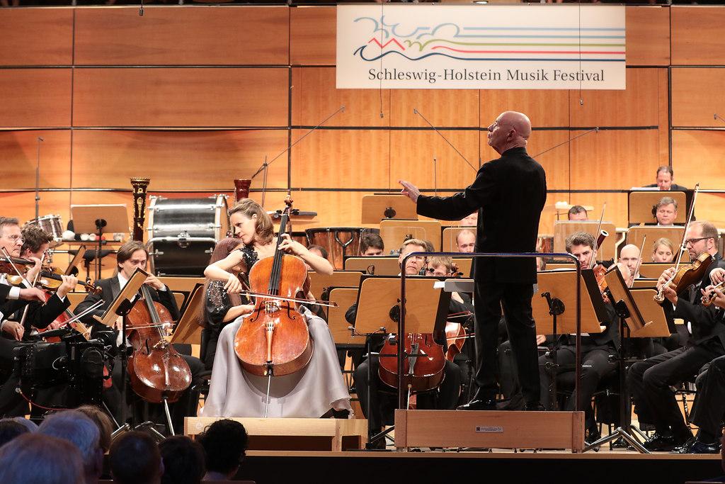 Eröffnungs-Vorkonzert (fotonick--0960) | Sol Gabetta, VioloncelloNDR Elbphilharmonie OrchesterChristoph Eschenbach, Dirigent-Foto Axel... | fotonick Kiel