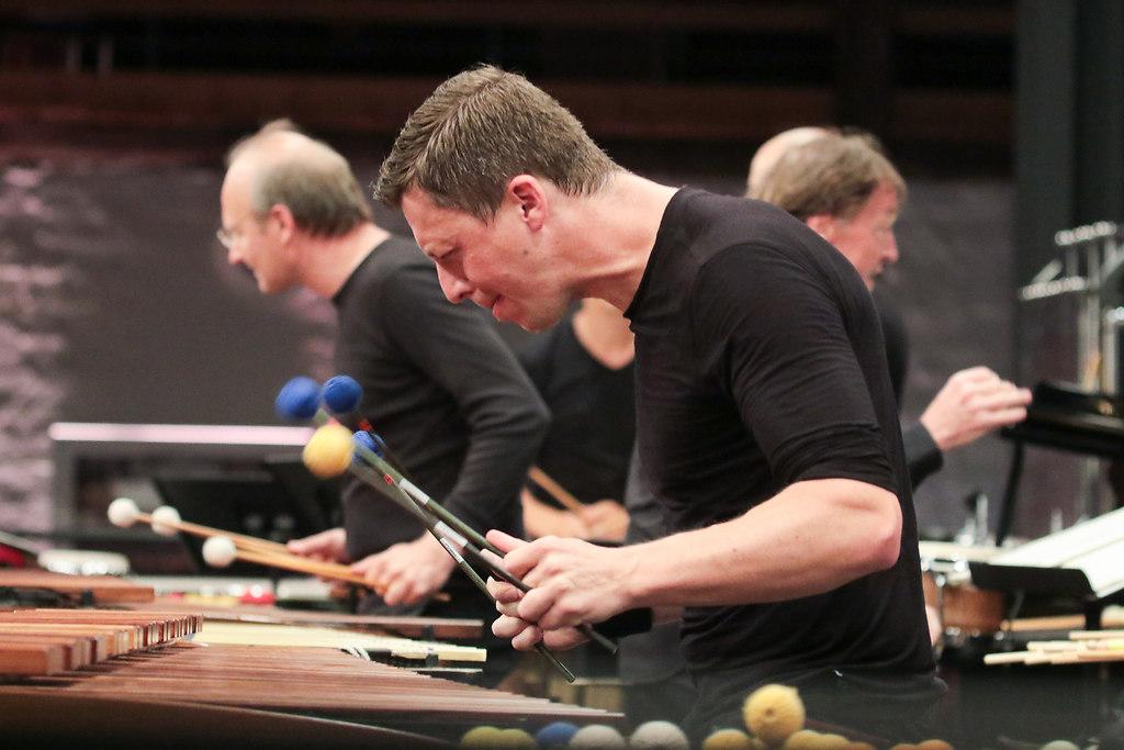 The Big Bernstein III (fotonick--3407) | Martin Grubinger Percussion  e Percussive Planet Ensemble-Foto Axel Nickolaus | fotonick Kiel