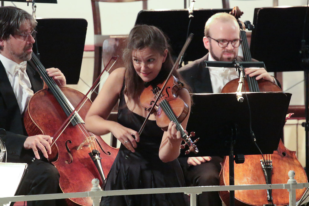 Janine Jansen (fotonick--3697) | Janine Jansen Violine Camerata Salzburg Daniel Blendulf Dirigent-Foto Axel Nickolaus | fotonick Kiel